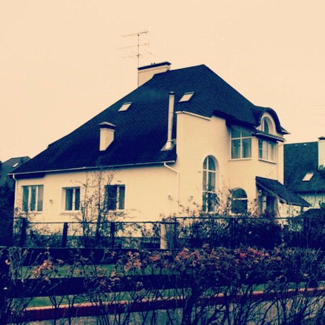 Первый личный дом Гуфа