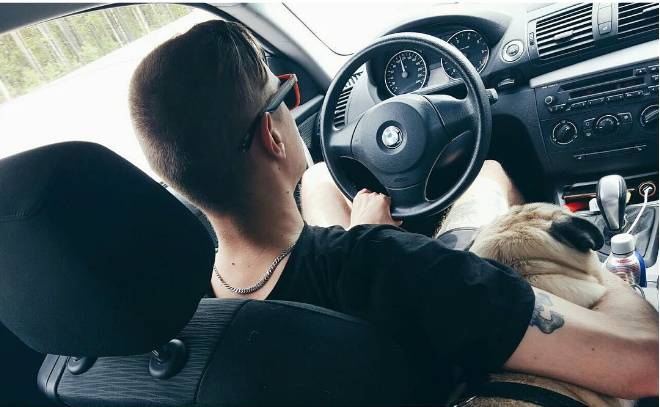 Машина видеоблоггера Ильича