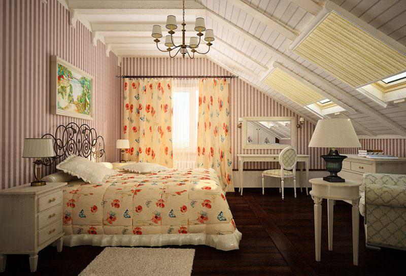 Тумбочка у кровати