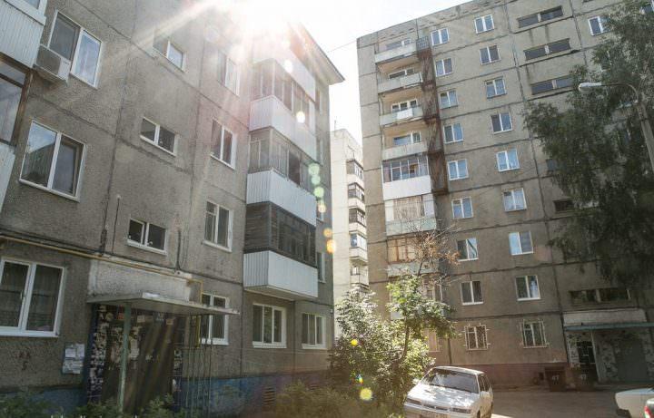 Квартира Земфиры в доме слева на 3 этаже