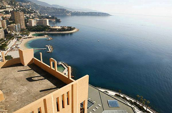 Вид на побережье из квартиры Виктории Бони