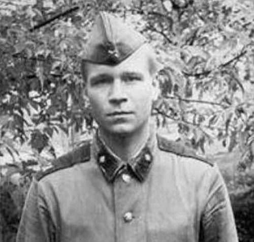 Валерий Кипелов в армии