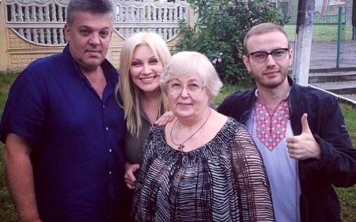 Таисия Повалий с семьей