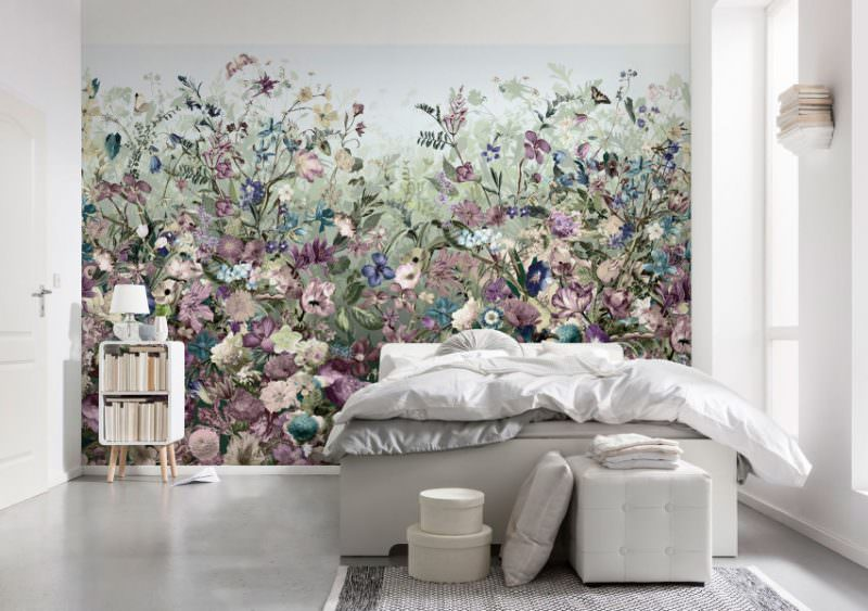 Картинка на стене